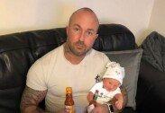 갓난아기 입에 핫소스 묻힌 父…들이닥친 경찰에 '억울'