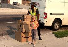 母 몰래 45만 원 어치 장난감 구매한 6살 소녀