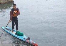 패들보드로 강 건넜더니…출근시간 50분 단축한 남성