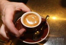 하루 커피 3잔, '수명 연장' 돕는다