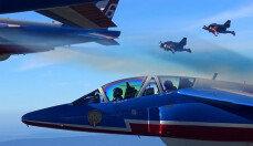 아이언맨 등장?…'제트맨' 비행기와 나란히 비행