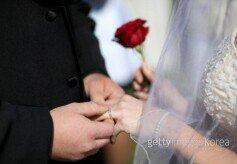 """미혼남녀 72% """"결혼, 솔직히 원한다"""""""
