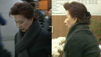 """""""소리없는 눈물""""…김지미, 故 신성일 빈소 조문"""
