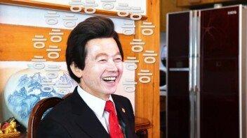"""허경영 전 총재 """"대선에서 내 적수는 없다!""""… 출마 가능성은?"""