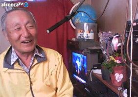 """""""힘들어요""""…70대 할아버지 BJ 찾아가는 청년들"""