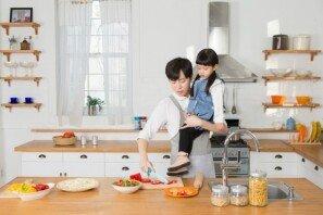 '현실감 있는' 저출산 이유 나열한 댓글…네티즌들 '공감 100%'
