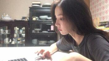 """""""계속 보게된다""""…신세경, 유튜브서 보여준 美친 미모"""