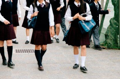 """""""고3 학생에 체육복 등·하교 금지""""… 어떻게 생각하십니까?"""