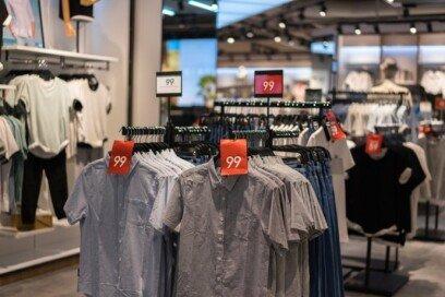 백화점서 피팅한 후 인터넷 구매…민폐인가요?