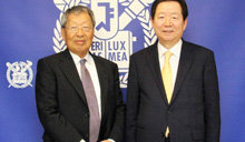 旅美企业家夫妇再次向母校首尔大学捐赠12亿韩元