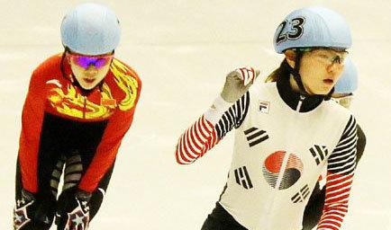 沈锡希在札幌亚冬会短道速滑比赛上连夺两金