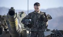 """陆军出现第一个战车女驾驶员,""""将成为后辈们学习的榜样"""""""