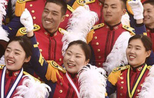 女士官生包揽韩国士官学校毕业成绩红榜前三名