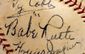 贝比-鲁斯等11位MLB名人堂选手签名的棒球以逾7亿韩元的价格成交