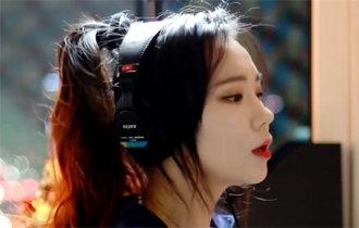 """Youtube明星""""JFla""""成为韩国单人创作者中频道关注人数突破千万大关的第一人"""