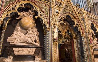 霍金的骨灰將安葬在威斯敏斯特大教堂,和牛頓、達爾文等一同長眠