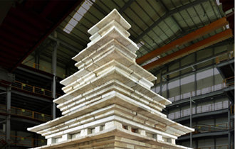結束修繕工程的益山彌勒寺址石塔