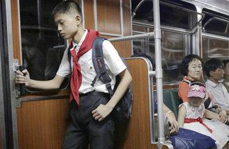 細膩的視線捕捉到的日常生活的各種瞬間,《AP攝影展:能否再次遇見你》在首爾舉行