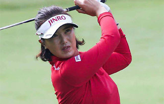 Jeon Mi-jeong sets a record as a Korean in JLPGA