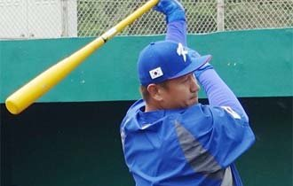 Slugger Lee Dae-ho joins national team training for WBC
