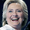 クリントン氏が指名受諾演説... トランプ氏と差別化
