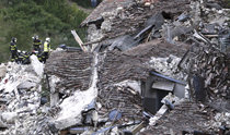 イタリア中部で地震M6.2