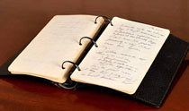 「ヒトラーは伝説になるに値する人物」 ジョン・F・ケネディの日記帳がオークションに