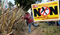 仏政権、新空港プロジェクトを断念