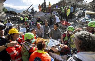 イタリア中部、M6.2の地震、少なくとも10人死亡