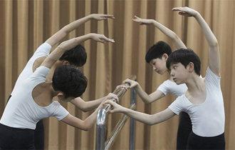 奇跡を夢見る7人の少年たち、「韓国のビリーはほかならぬ僕!」