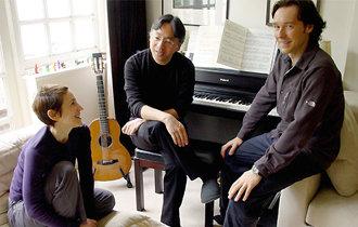 ノーベル文学賞受賞のカズオ・イシグロさん、最新作は歌詞