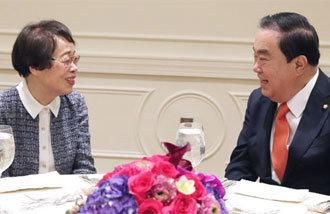 「臨時政府の国璽」を寄贈した在外韓国人、ニューヨークで出会った文喜相国会議長