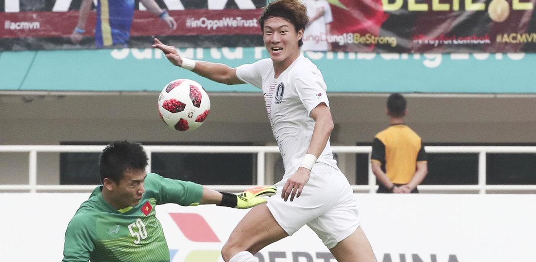 '손흥민 패스-황의조 골' 승리공식 굳혔다