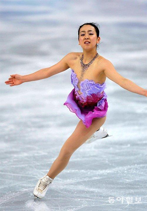 曾与金妍儿展开激烈竞争的日本著名花滑选手浅田真央宣布退役