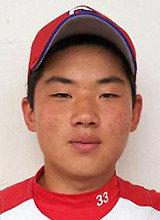 在黄金狮子旗全国高中棒球比赛上东山高中的高一替补击球手张光锡挽救了球队
