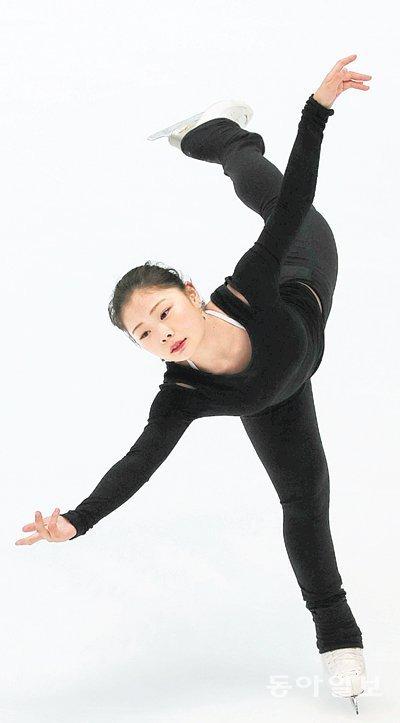 """韩国女子花样滑冰""""新面孔""""金荷娜"""