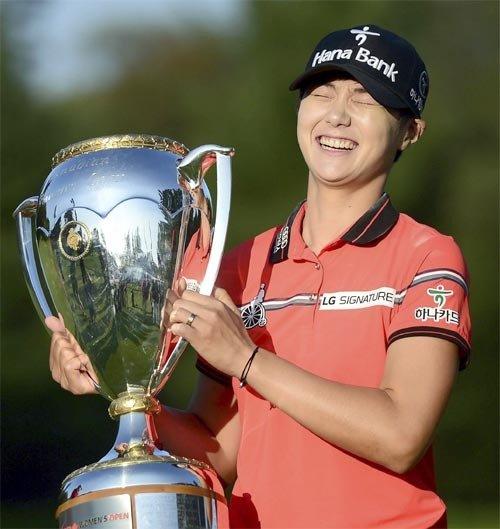赢得美国女子公开赛和加拿大女子公开赛冠军的朴城炫世界排名跃升至第二位