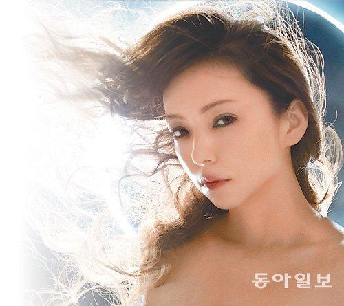 日本代表性女歌手安室奈美惠40岁生日当天宣布将于明年隐退