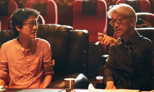 电影《南汉山城》背景音乐制作者日本作曲家坂本龙一获得映评赏音乐奖