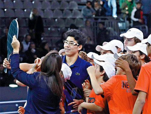"""韩国网球的""""希望""""郑现夺得首届ATP巡回赛新生力量总决赛冠军"""