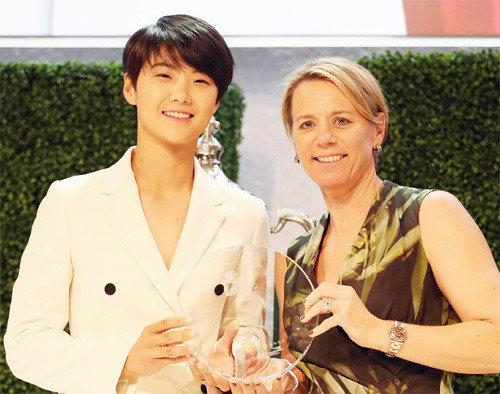 朴城炫领取LPGA新人奖,索性向全冠王发起挑战