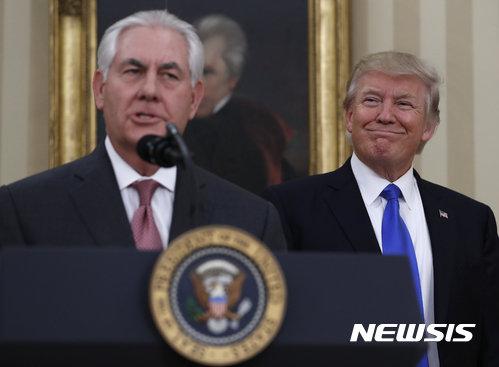 """美国国务卿蒂勒森向中国施压:""""要限制原油,让平壤动荡"""""""