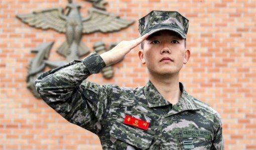 """""""比起哈佛大学,我更希望去海军陆战队"""""""