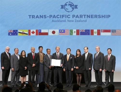 A dozen Pacific Rim nations officially sign Trans-Pacific Partnership