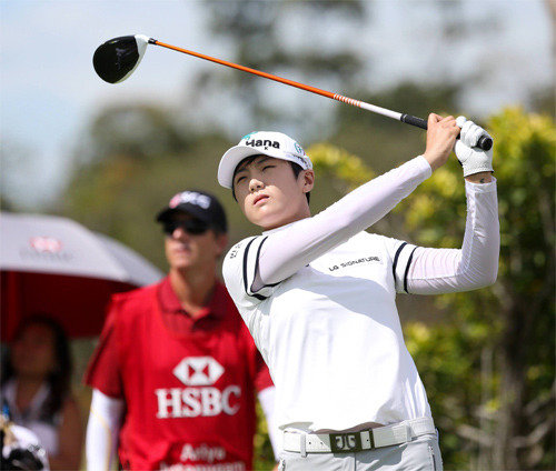 Park Sung-hyun ranks 7th in her LPGA debut round