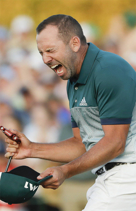 Sergio Garcia wins first major in Masters playoff
