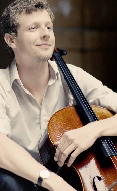 Cellist Istvan Vardai holds his first performance in Korea