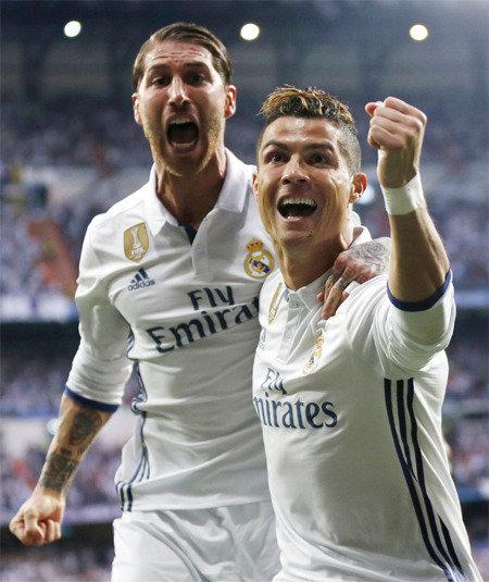 Ronaldo scores two quarterfinal hat tricks
