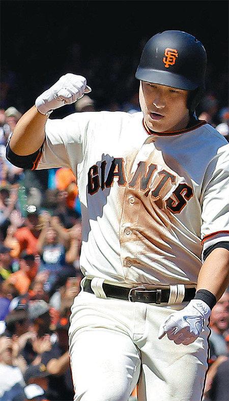 Hwang Jae-gyun's tiebreaking home run in Major League debut