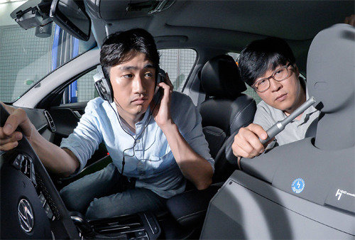 Kakao, Hyundai Motor present new in-car speech recognition system